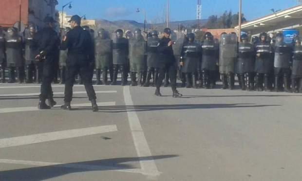 السلطات تستعد لردم الآبار وعمال الساندريات يهددون بالاعتصام فيها.. بداية أسبوع ساخنة في جرادة