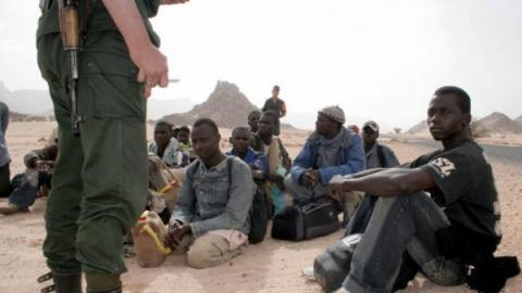 أبعدت أكثر من 700 مهاجر.. النيجر تحتج على الجزائر
