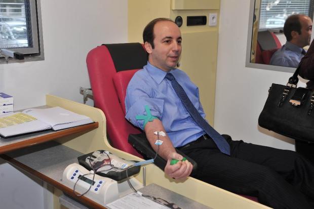 لجمع 4500 كيس من الدم.. وزير الصحة يطلق قافلة للتبرع بالدم (صور)