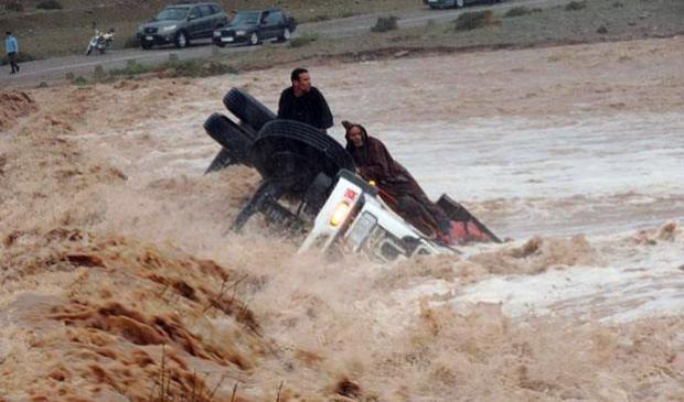 ضواحي تازة.. إنقاذ 5 أشخاص حاصرتهم مياه واد