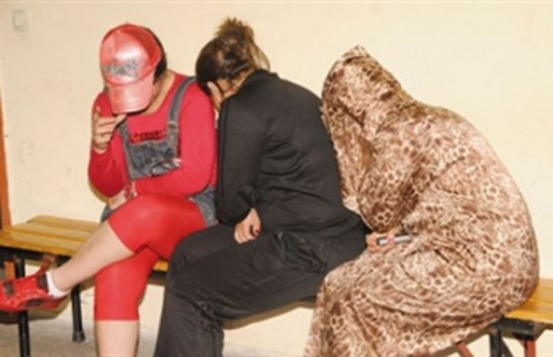 إيقاف 4 فتيات حاولن سرقة سيدة في مراكش.. الكريساج بصيغة المؤنت