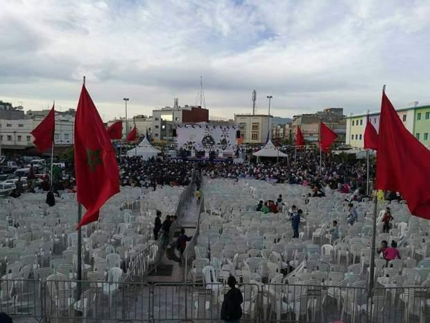 البيجيدي مشا خلا.. العثماني يخطب أمام كراسي فارغة!! (صور)