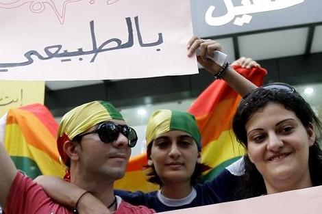 8 مارس.. مدافعون عن المثلية يجددون مطالبهم في عيد النساء!