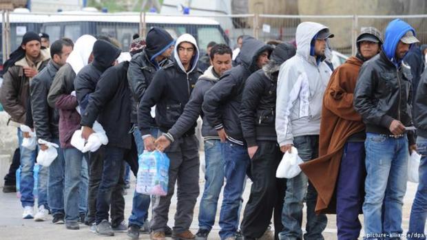 بسبب الاكتظاظ داخل مراكز الإيواء.. سلطات مليلية تستعد لترحيل 129 حراكا مغربيا