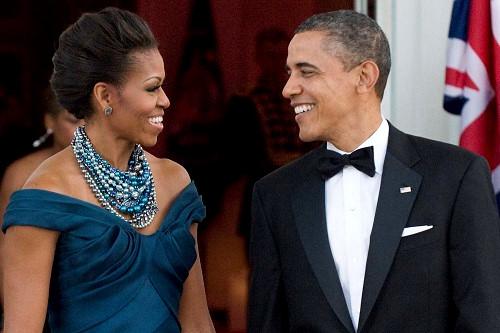 بعد ما سالا من الرئاسة.. باراك أوباما وزوجته يقدمان برنامجا على التلفزيون!