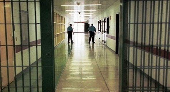 ما تعطلاتش.. إدارة السجون ترد على اتهامات دفاع معتقلي أحداث الحسيمة