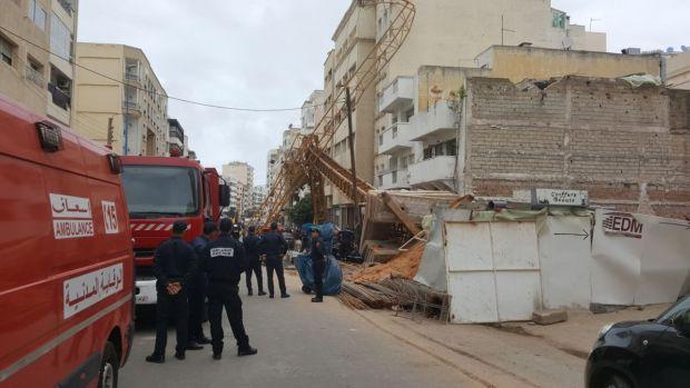 بالصور والفيديو من كازا.. إصابات في سقوط رافعة