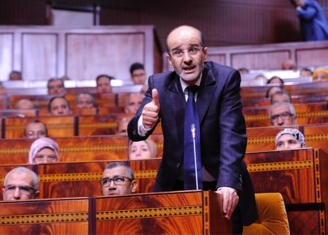 الأزمي يشتكي الوزراء السلايتية: هناك وزراء غابوا عن المجلس لأكثر من سنة!