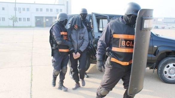 لقاوه كيتراسل مع مواقع إرهابية.. توقيف داعشي فسيبير فمراكش