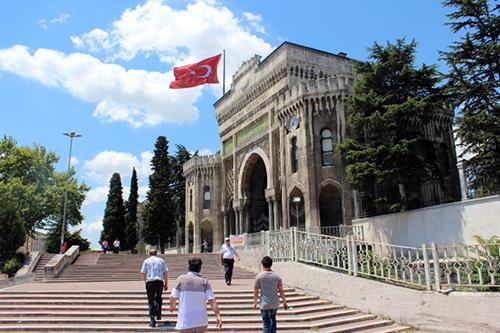 منحة للطلبة.. تركيا تريد تقوية قوّتها الناعمة