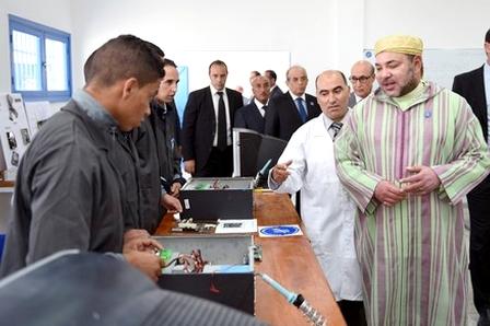 سلا.. الملك يطلق برنامج دعم المشاريع الصغيرة للسجناء السابقين