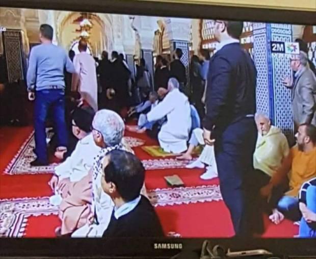 صلاة الجمعة.. هلع وفوضى داخل مسجد حسان في الرباط (فيديو)