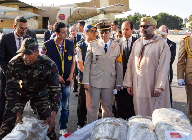 مساعدات المغرب إلى غزة.. إشادة فلسطينية بالملك