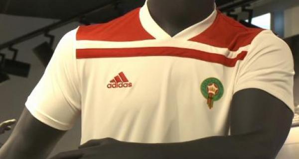 شركة أديداس: إخراج قميص المنتخب الوطني كان بموافقة من الجامعة