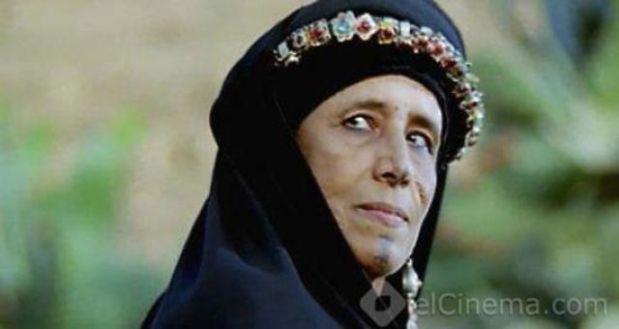 """العيالات علاش قدات (7).. ثريا """"أسطورة"""" الرأس الحليق!"""