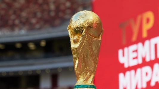 بعد أطول رحلة في التاريخ.. كأس العالم الذهبية تعود إلى روسيا