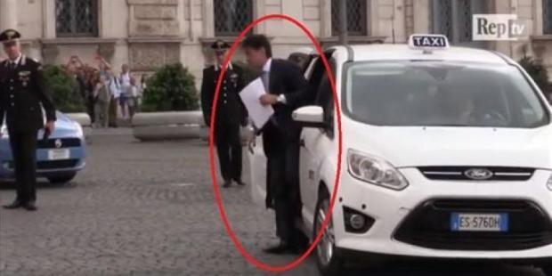 ما دارها حتى واحد من عندنا.. رئيس وزراء إيطاليا راكب طاكسي! (فيديو)