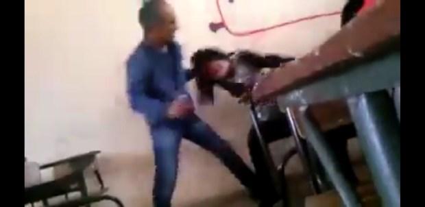 """بالفيديو من ثانوية في خريبكة.. أستاذ """"مقطوع"""" يعنف تلميذة داخل القسم!!"""