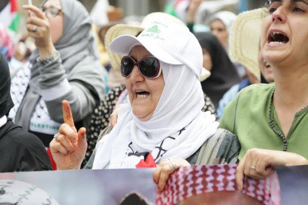 الرجال بوحدهم ولعيالات بوحدهم.. ممنوع الاختلاط في التضامن مع فلسطين!