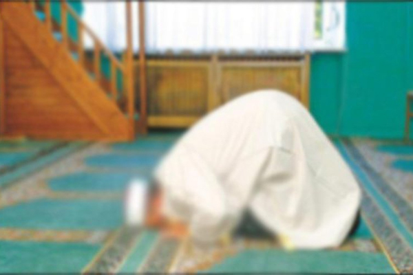كان كيصلي التراويح بالناس.. وفاة إمام في الفقيه بنصالح
