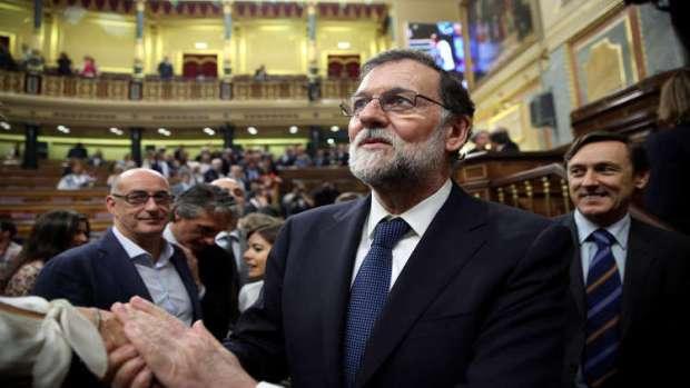 البرلمان يحجب الثقة عن حكومة راخوي.. نايضة في إسبانيا