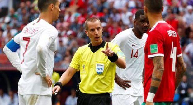 بسبب ظلم الحكم.. مغاربة يطلقون عريضة للمطالبة بإعادة المباراة ضد البرتغال!