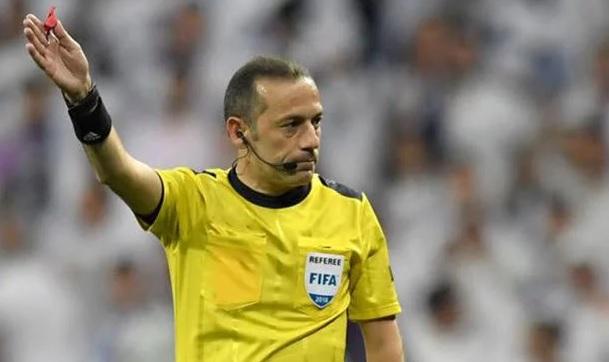 الفيفا تعلن حكام مباريات الجمعة.. تركي يقود مباراة المغرب وإيران