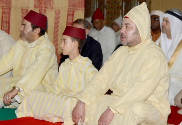 عيد الفطر.. الملك يصلي في مسجد أهل فاس