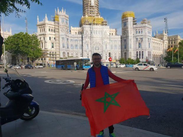 ما عندو زهر.. شاب مغربي عالق في الحدود الروسية بعد رحلة 9 آلاف كلم ! (صور)