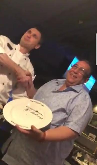 بالفيديو من روسيا.. مغربي انتحل صفة سعد الدين العثماني باش يعطيوه بلاصة فالمطعم!