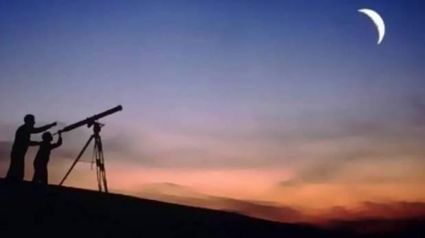 الخميس.. مراقبة هلال العيد