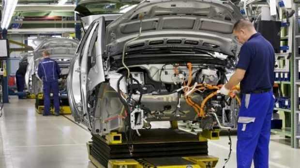 يهم ناس الحاجب.. فُرب عمل في شركة لصناعة السيارات
