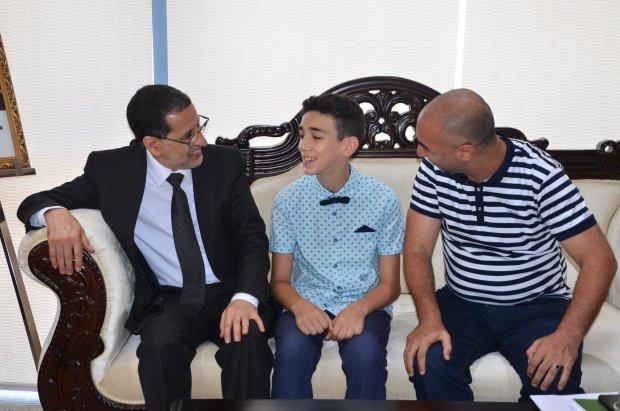 بالصور.. العثماني يستقبل التلميذ صاحب أعلى معدل في الابتدائي