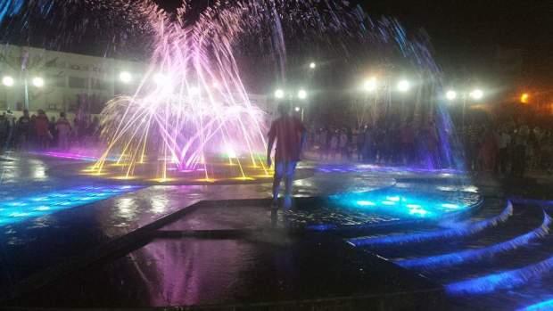 بالصور من بركان.. ساحة محمد السادس الجديدة رجعات قديمة في أقل من أسبوع!