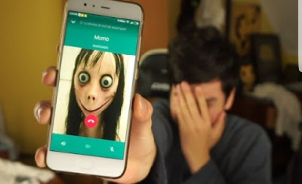 """بتحديات غريبة ومخيفة.. """"مومو"""" يُرعب مستخدمي الواتساب! (صور)"""
