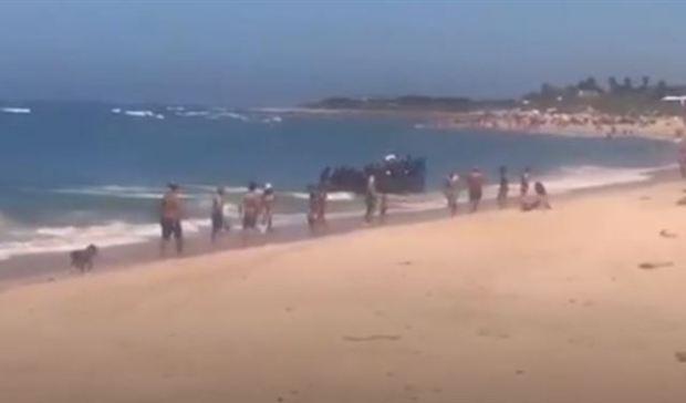 بالفيديو.. حراكة وصلو للبحر ديال العريانين في إسبانيا!