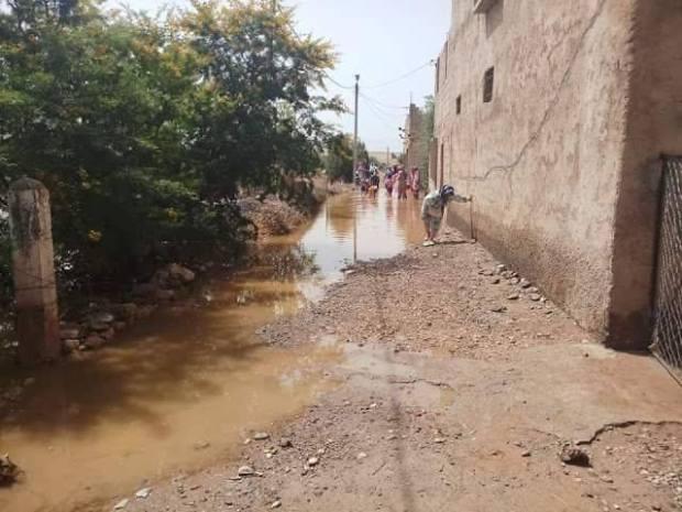 انفجار قناة مائية وتضرر حوالي 30 منزلا ضواحي قصبة تادلة.. دوار هزو الما!