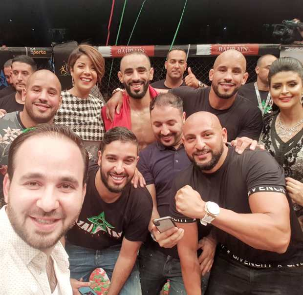 مشاهير يهنئون عثمان زعيتر بعد فوزه بالضربة القاضية.. إنستغرام تزعتر! (صور)
