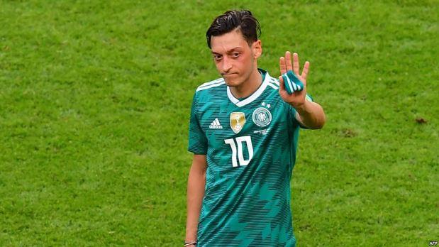 رئيس الاتحاد الألماني عن اعتزال أوزيل: من الحماقة لوم لاعب واحد على خروجنا من المونديال