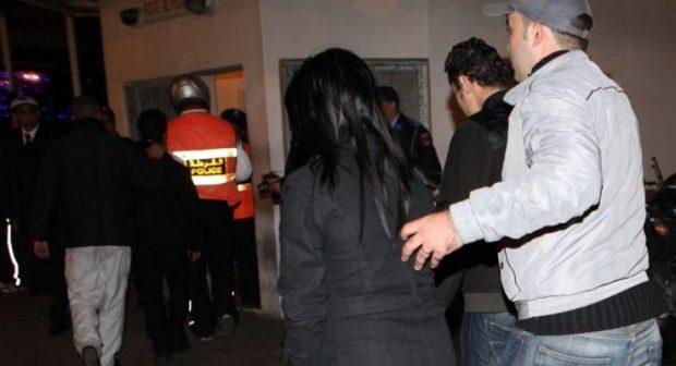 نواحي مراكش.. اعتقال شابين وفتاة في شقة للدعارة