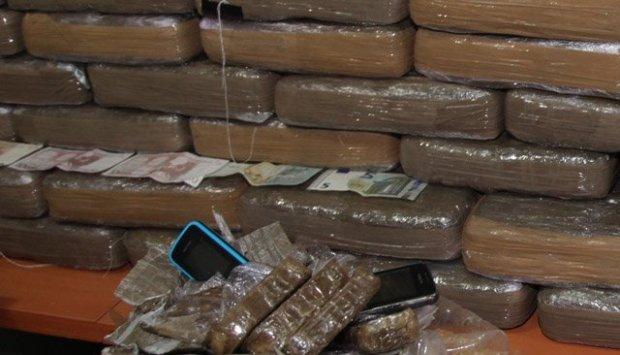 مراكش.. توقيف إسبانيين بسبب تهريب 540 كيلو من المخدرات