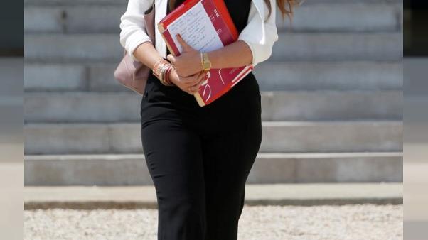 الغرامة تصل إلى 750 يورو.. فرنسا تجرم التحرش الجنسي في الشوارع