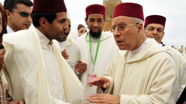70 ألف مستفيد.. صرف إعانة عيد الأضحى للقيمين الدينيين