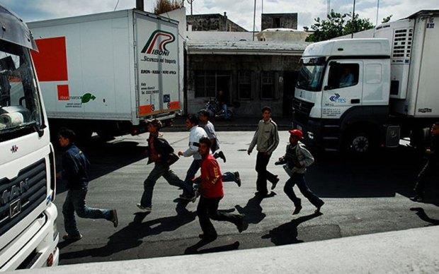 بين طنجة والفنيدق والناظور.. رابطة حقوقية تنبه إلى محاولات هجرة القاصرين