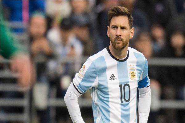 ما غاديش يلعب مع الأرجنتين.. ميسي باغي يرتاح
