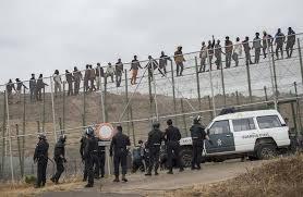 ما بقى عندهم جهد.. الحرس المدني يواجه المهاجرين الأفارقة بالقضاء