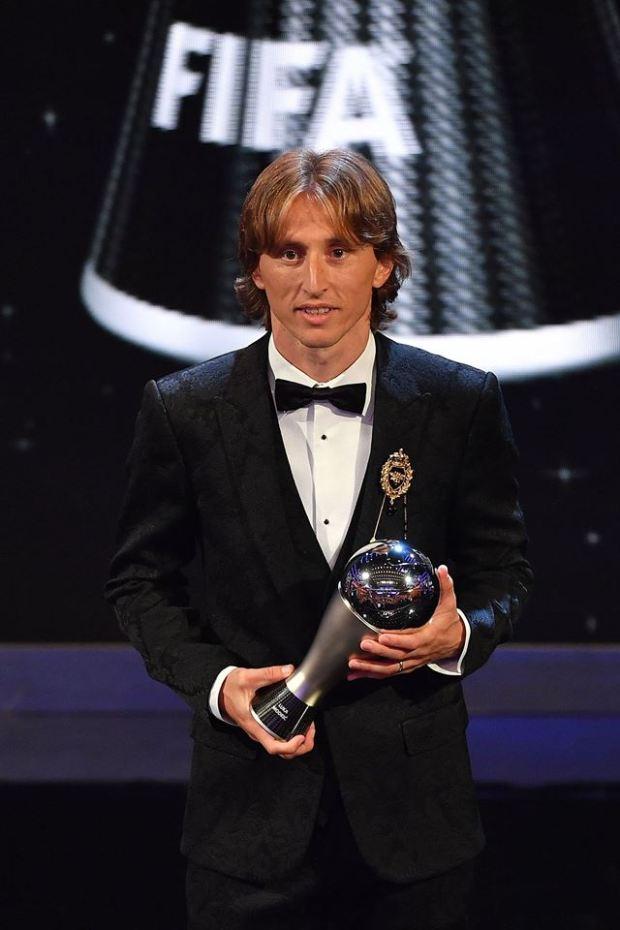 """""""الأمير"""" لوكا مودريتش.. مسار لاجئ صار أفضل لاعب في العالم! (فيديوهات وصور)"""