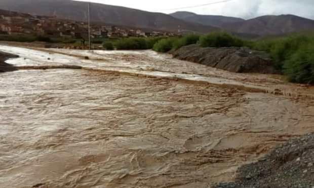 ارتفاع منسوب واد إمضغاس.. نداءات استغاثة من منطقة أمسمرير (صور)