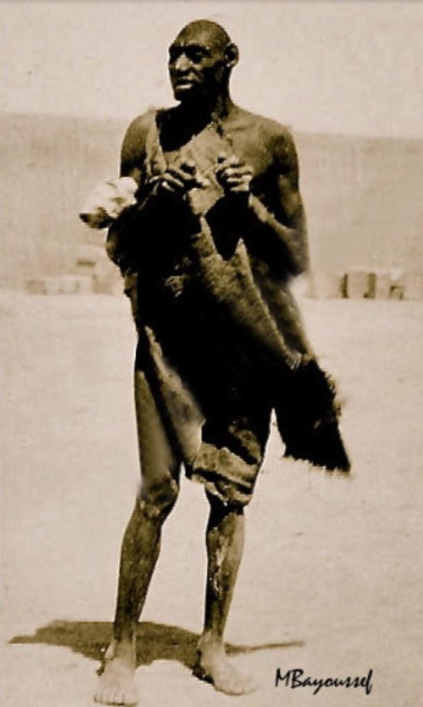 """عاش ضواحي ورزازات في زمن الاستعمار.. ظهور أول مقطع فيديو ل""""الرجل القرد""""!! (فيديو وصور)"""
