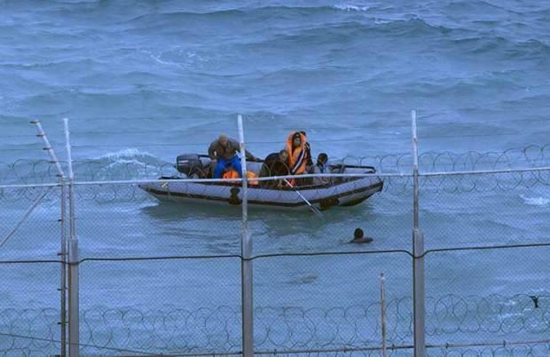 الحرب على عصابات الحريك.. مغاربة يهربون 200 مهاجر إلى مليلية مقابل 800 ألف أورو!
